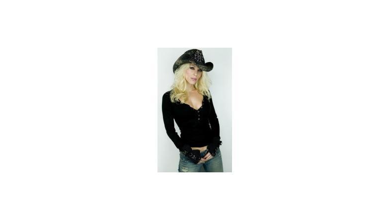 Angela fra Arch Enemy i radioshow